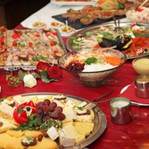 Buffets can make healthy eating a challenge